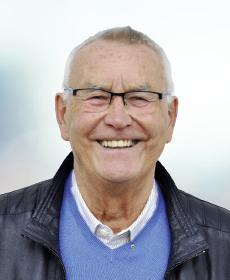<b>Dieter Bär</b><br>OStD a. D.