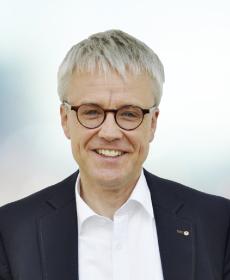 <b>Dr. Christian Mickisch</b><br>Pastpräsident<br>Notar