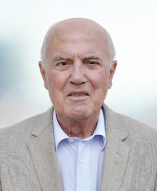 <b>Dr. jur. Peter Ulbrich</b><br>Notar a. D.