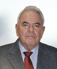 <b>Dr. med. Rolf Pilgrim</b><br>Internist u. Nephrologe