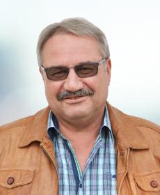 <b>Dr. med. dent. Wolfgang Ernst</b><br>Zahnarzt