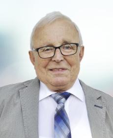 <b>Manfred Bretschneider*</b><br>Büromasch.-Mech.-Mstr., Kfm.