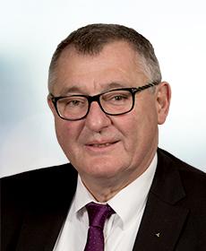 <b> Dr. Wolfgang Bub </b> <br> ev. Dekan i.R. </br>